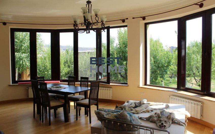 Просторный новый двухэтажный  дом в Ариндж Аване