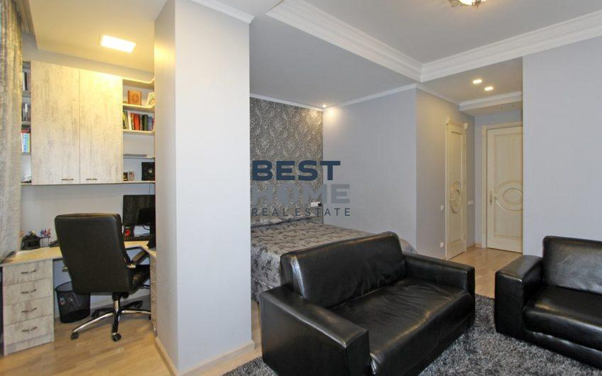 Spacious apartment, new building, Aram street