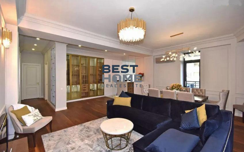 Изысканная квартира в классическом стиле в центре