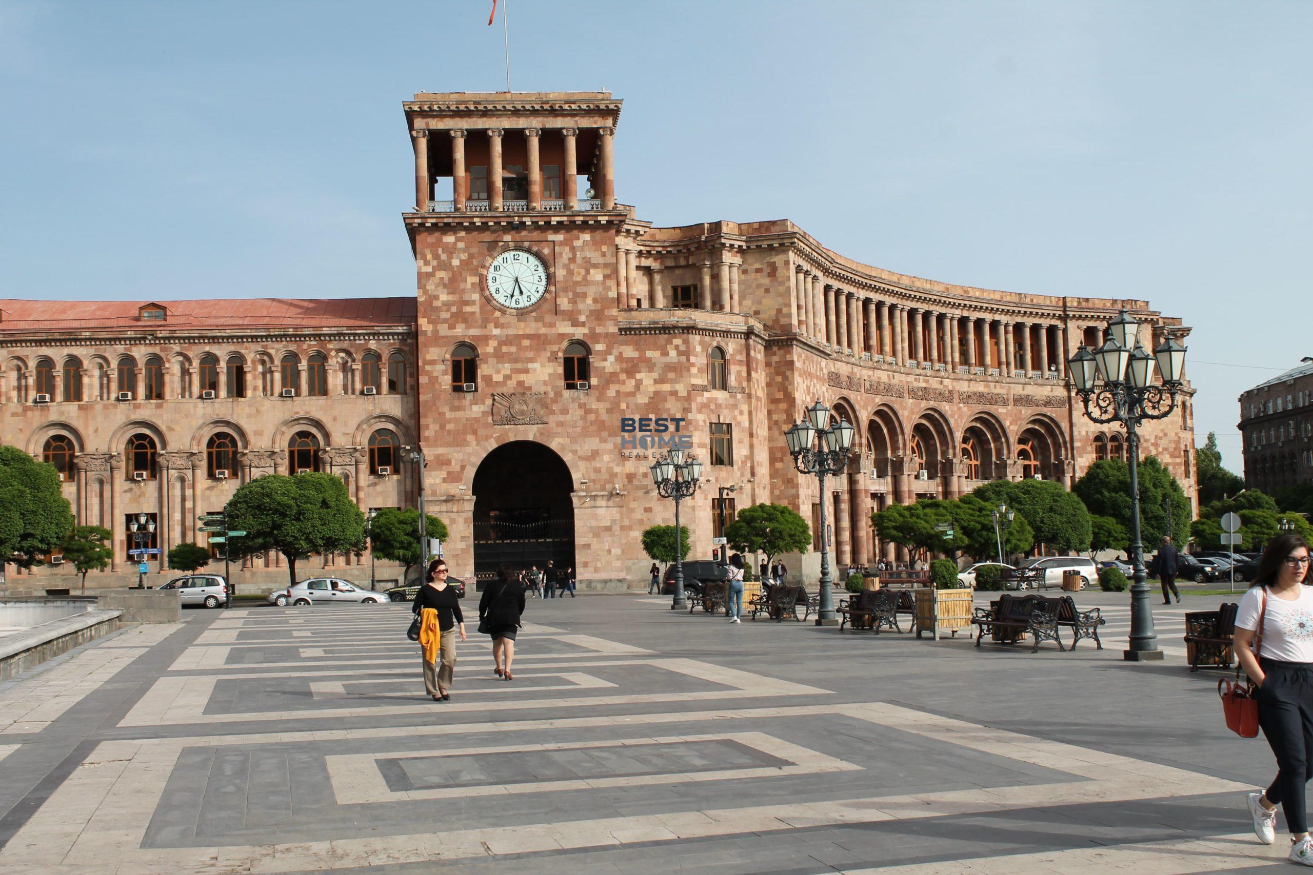 Купить квартиру в новостройке на улице Абовяна, исторический центр Еревана, квартиры с видом на площадь Азнавура. Недвижимость в Армении.