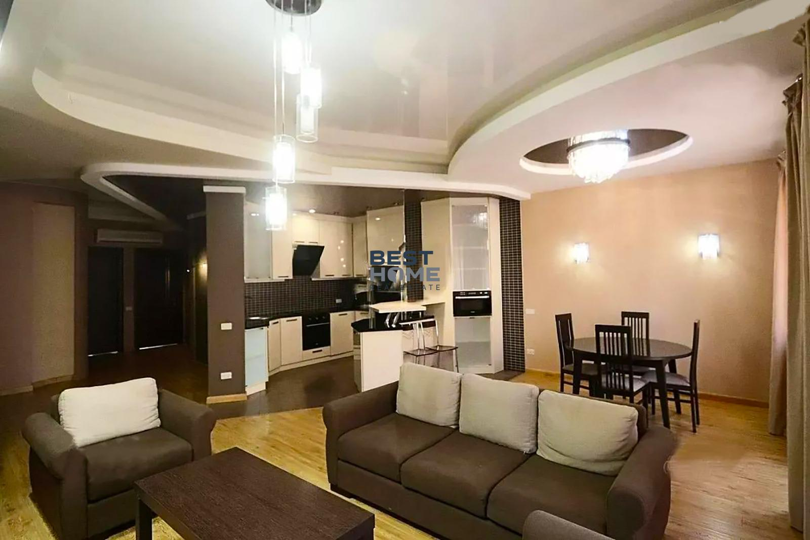 Three-bedroom apartment on Buzand street for rent