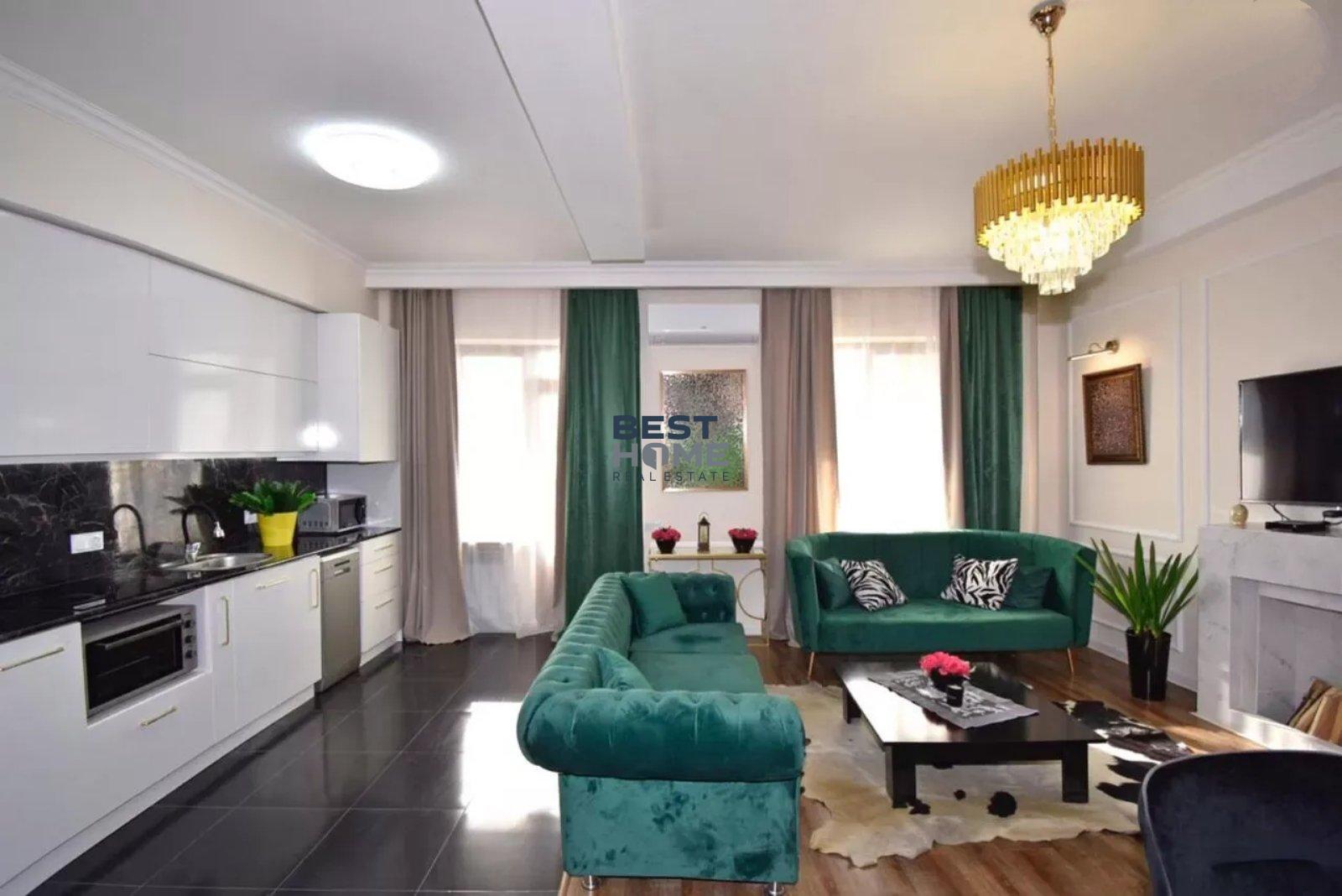 Светлая трехкомнатная квартира в Норк Резиденс